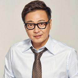 بیوگرافی یون دا هون