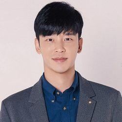 بیوگرافی سول جونگ هوان