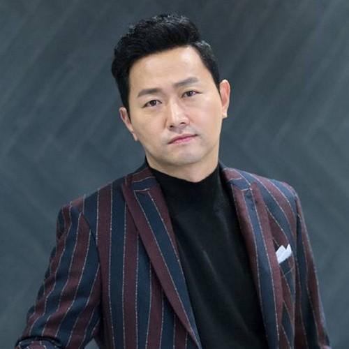 بیوگرافی و عکس کیم یو سوک