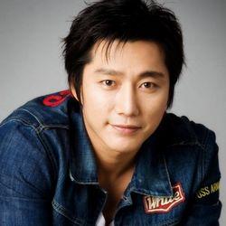 بیوگرافی کیم مین جونگ