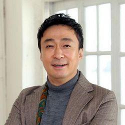 بیوگرافی لی سانگ مین