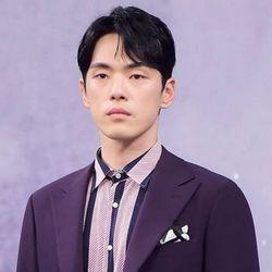 بیوگرافی کیم جونگ هیون