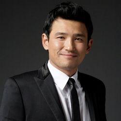 بیوگرافی هوانگ جونگ مین
